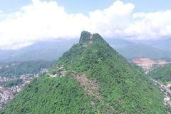Sử dụng năng lượng tái tạo chiếu sáng đường lên núi Cấm