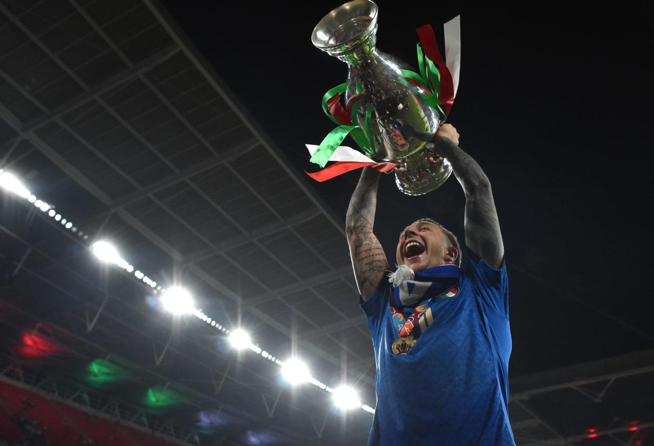 Bernardeschi và chuyện tình sét đánh của nhà vô địch EURO