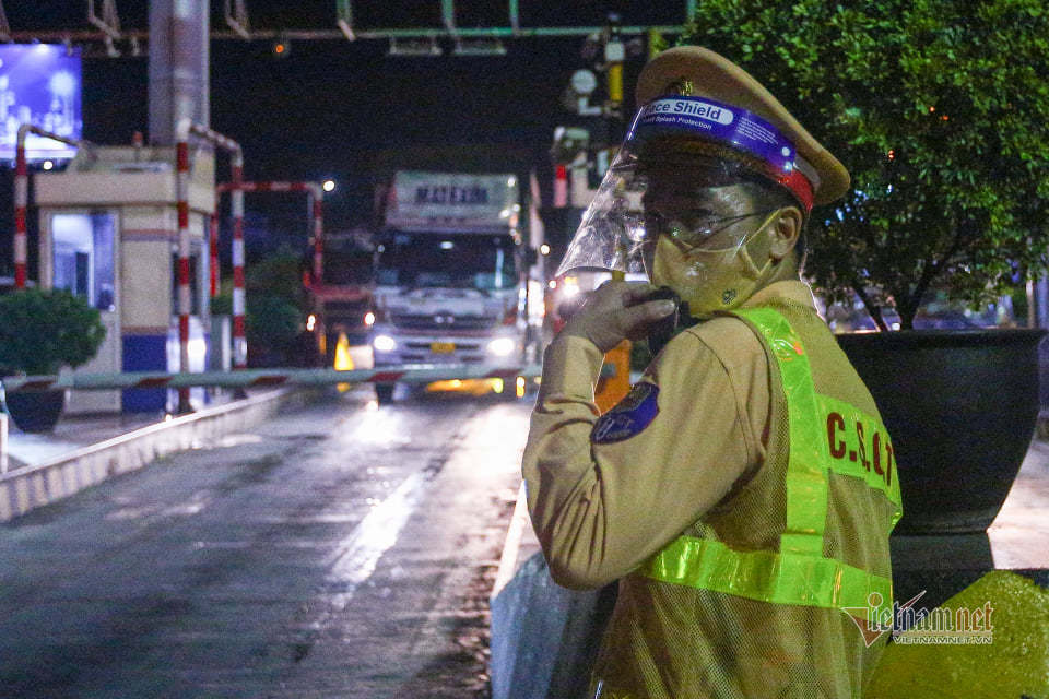 Đến Hà Nội không giấy xét nghiệm, tài xế từ Đồng Nai phải quay về
