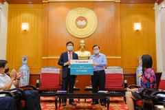 Hana Bank ủng hộ 6 tỷ đồng vào Quỹ vắc xin phòng Covid-19