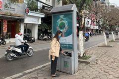Hà Nội: Lắp đặt 11.000 thùng rác phát sáng bằng năng lượng mặt trời