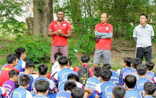 Vietnam now home for retired Nigerian footballer