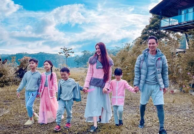 Lý Hải cùng vợ kém 17 tuổi và 4 con lên Đà Lạt làm nông dân