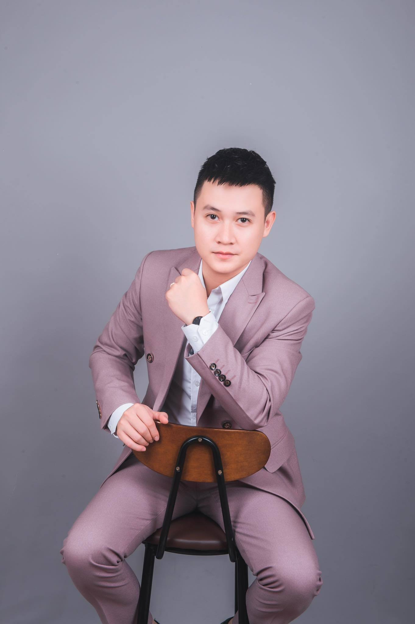 Vì sao Nguyễn Lộc 'Chạm tay vào nỗi nhớ' tạm gác nghiệp diễn?