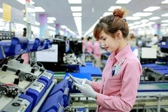 What's behind Apple's decision to make Ipads and MacBooks in Vietnam?