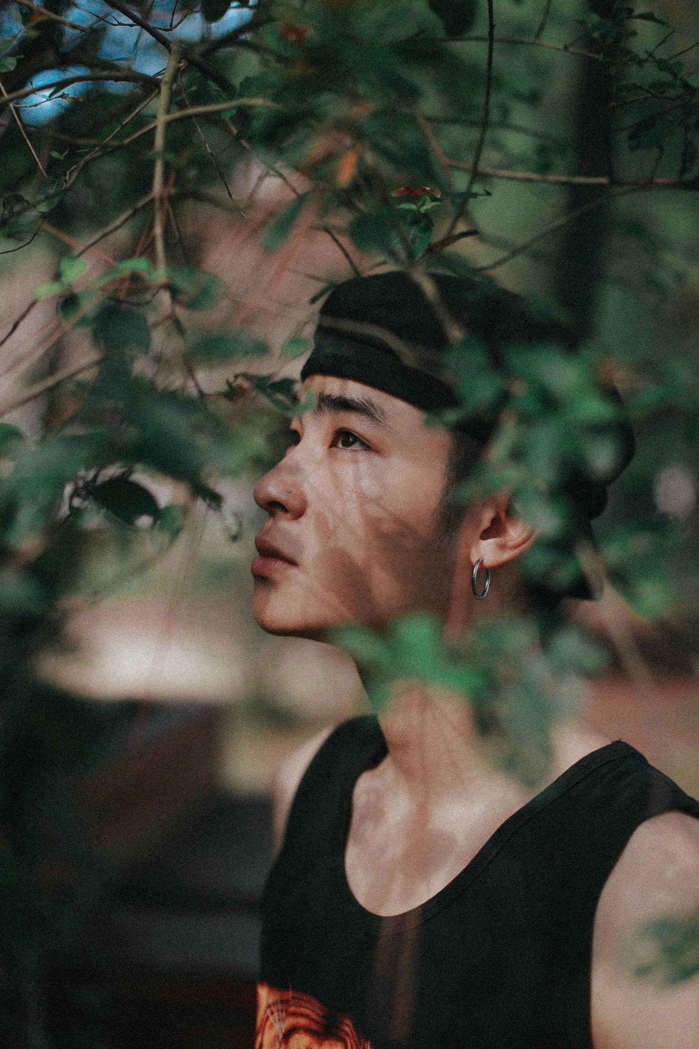 Con trai Võ Hoài Nam khóc khi xem cảnh phim xúc động của bố