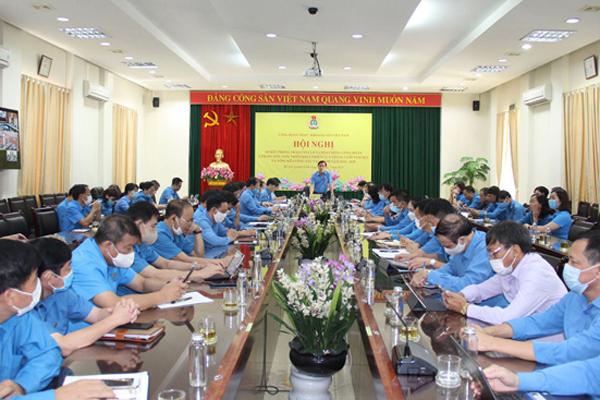 Than - Khoáng sản Việt Nam đảm bảo đời sống cho người lao động bất kể Covid-19