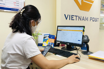 Bưu điện TP.HCM hỗ trợ dân hưởng BHYT trực tuyến, không gián đoạn vì Covid-19