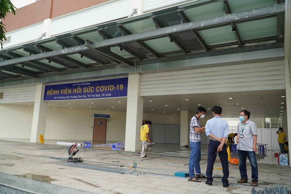 Thần tốc thiếp lập Trung tâm Hồi sức Covid-19 ở TP.HCM