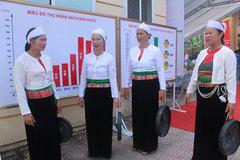 Hòa Bình vận động mặc trang phục truyền thống các dân tộc thiểu số