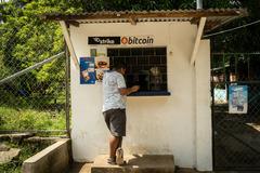 Giới đào Bitcoin Trung Quốc đi hàng nghìn km để tìm miền đất hứa