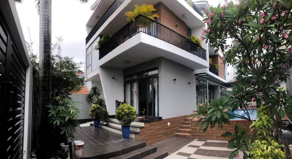Cận cảnh khu vườn nhỏ trong biệt thự triệu đô của Tăng Thanh Hà