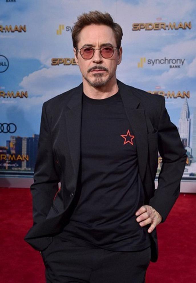 'Người sắt' Robert Downey Jr. đóng phim do Kim Lý sản xuất