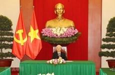 Vietnam, RoK leaders agree to step up ties in COVID-19 combat