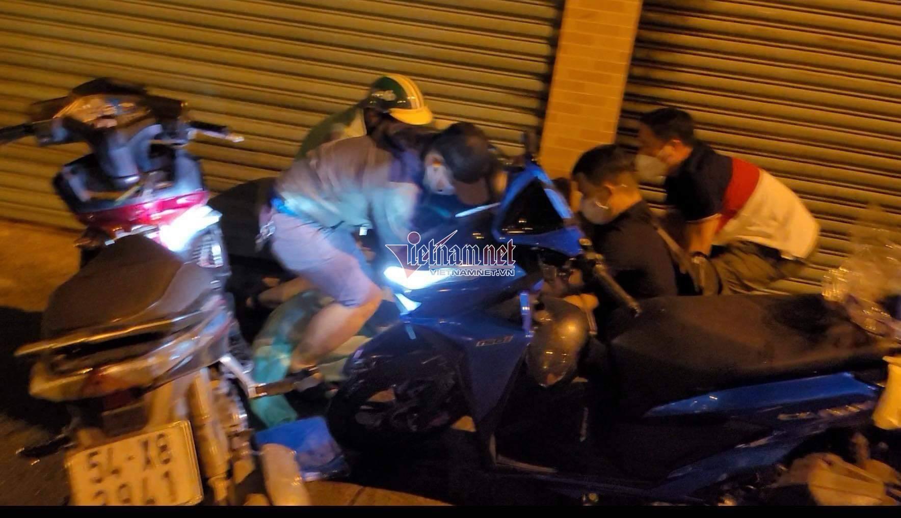 Hai giờ nương náu của tử tù nhiễm Covid-19 trong nhà người xe ôm đáng thương