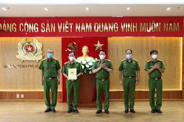 Bộ Công an trao thưởng nóng cho Công an TP.HCM vụ bắt tử tù vượt ngục