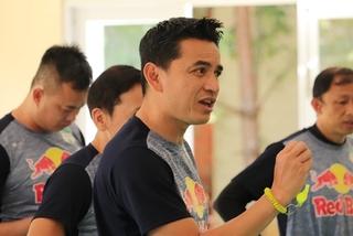 HAGL coach vows full support toViet Nam national team
