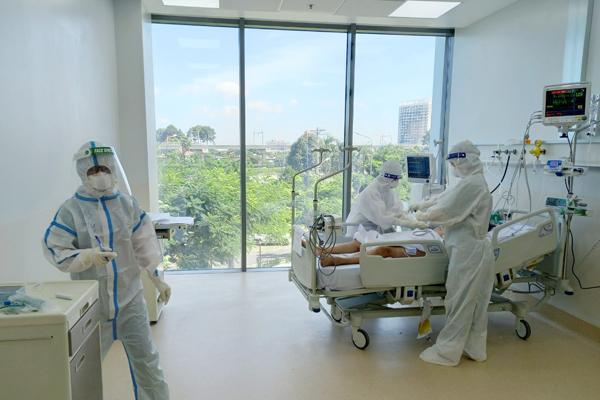Hơn 28.000 bệnh nhân Covid-19, y tế TP.HCM có quá tải?