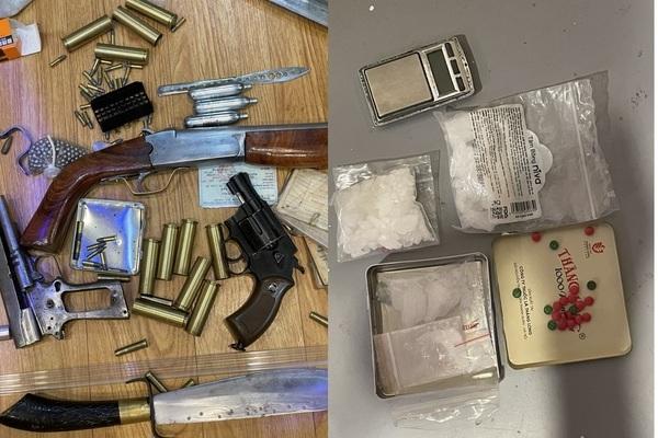 Bắt 'ổ nhóm' ma túy ở Hà Nội, thu giữ nhiều súng đạn