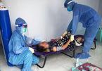 Các bệnh viện dã chiến TP.HCM áp lực khi chuyển viện cho F0 trở nặng