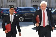 Thủ tướng, Bộ trưởng Tài chính Anh phải tự cách ly vì tiếp xúc F0