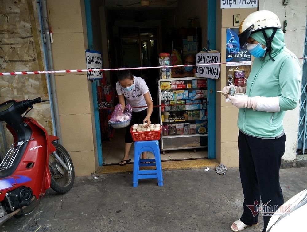 Thịt lợn dân bán tại chuồng 57 nghìn/kg, về Sài Gòn 200 nghìn/kg