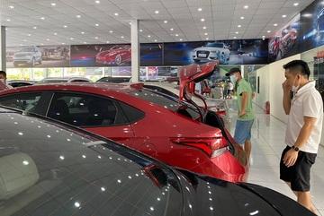 5 mẫu xe hot giảm giá từ 100-200 triệu đồng