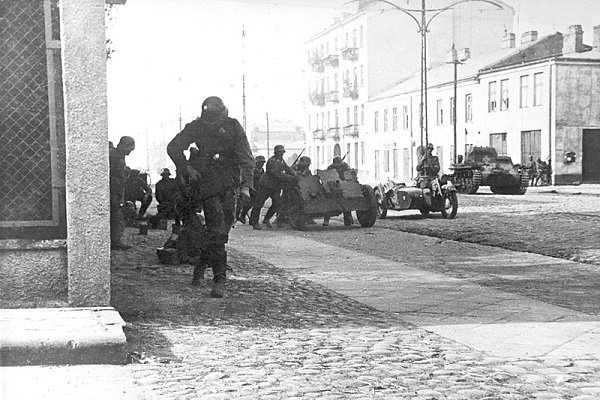 Thắng chóng vánh tại Ba Lan, Đức khai màn Thế chiến hai tàn khốc