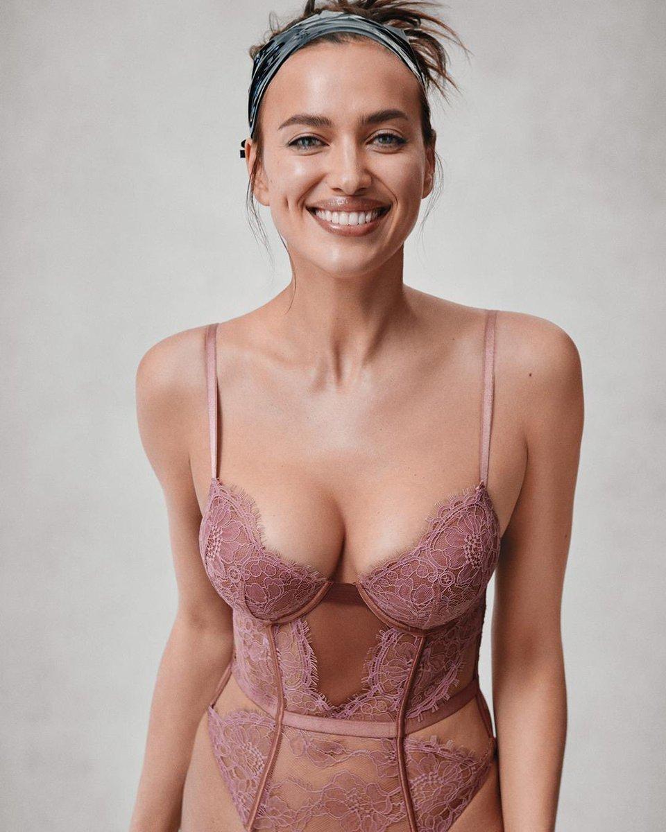 Siêu mẫu Irina Shayk gợi cảm nghẹt thở trong quảng cáo nội y