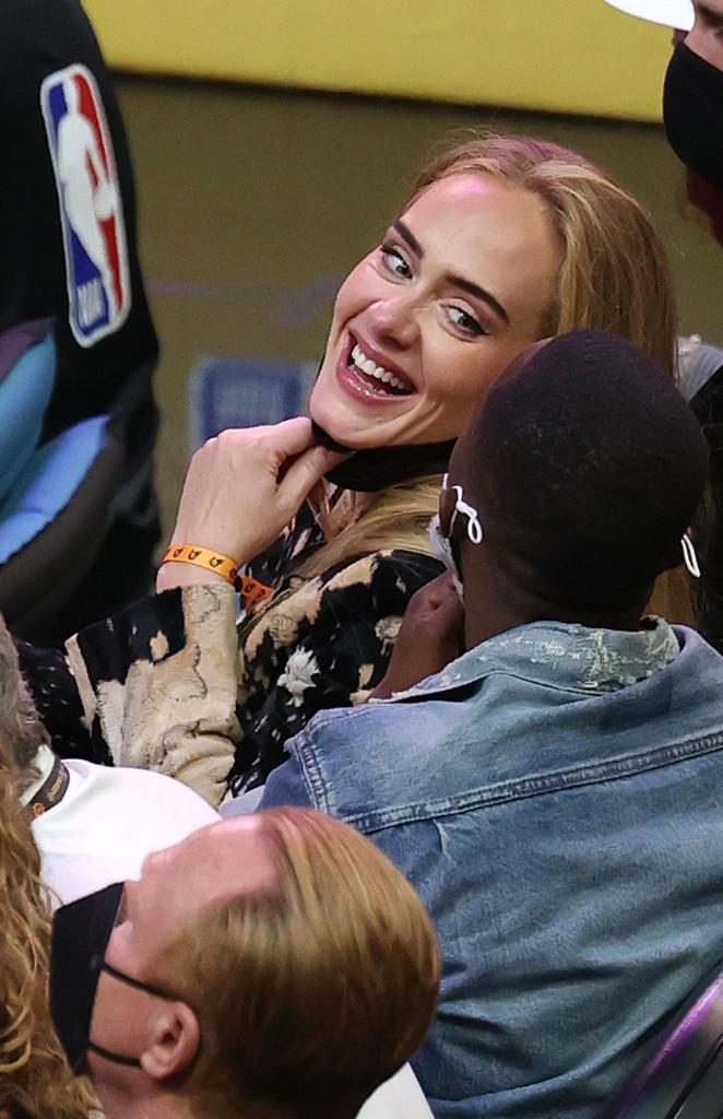 Adele công khai bạn trai mới hơn 7 tuổi