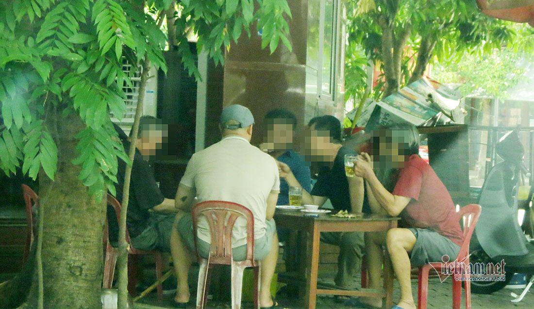 Nhà hàng, tiệm cắt tóc ở thành phố Vinh được hoạt động trở lại