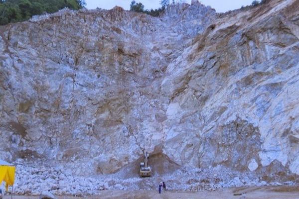Nổ lớn tại mỏ đá khiến 2 người tử vong ở Hà Nam