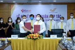 VietNamNet Premium service promoted by Vietnam Post
