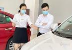 Giá xe giảm kịch sàn, dân bán ô tô vẫn méo mặt lo ế trước 'tháng ngâu'