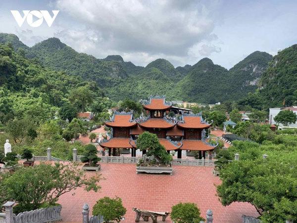 Tan Thanh Pagoda,Tan Thanh border gate,Tan Thanh Market