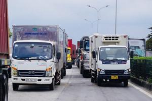 Ô tô chở hàng từ Hà Nội đi tỉnh ngoài cần thủ tục gì?