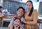 Thất nghiệp, vợ chồng Sài thành vẫn gom 500 suất rau củ tặng công nhân