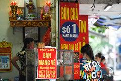 Những quán bún chả nổi tiếng Hà Nội ra sao trong mùa dịch?