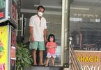Ông bố mất 3 người thân trong đại dịch: Vợ chồng tôi đã được ra viện
