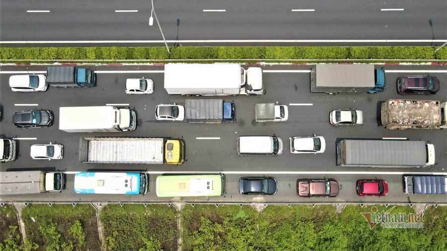 Chốt kiểm dịch Pháp Vân-Cầu Giẽ ùn tắc từ sáng đến chiều