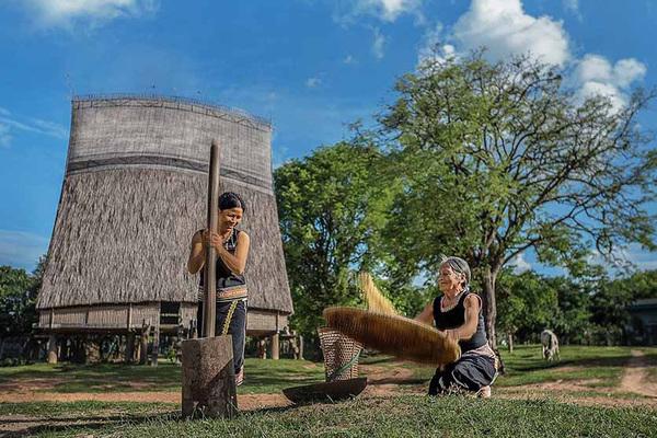 Bảo tồn và phát triển nghề truyền thống của các DTTS tại chỗ trên địa bàn Kontum
