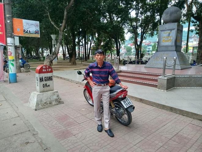 Lão nông U60 ưa 'xê dịch', bốn lần xuyên Việt bằng xe máy