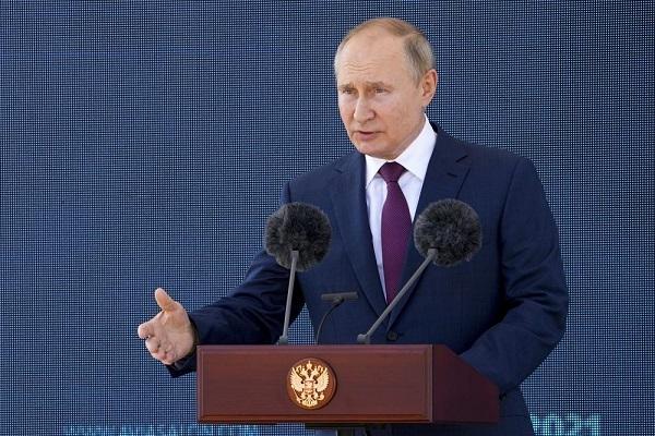 """Ông Putin chiêm ngưỡng tiêm kích """"Chiếu tướng"""" tiên tiến của Nga"""