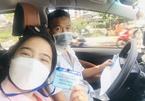 Vợ rủ chồng đi làm tình nguyện viên chống dịch ở TP.HCM