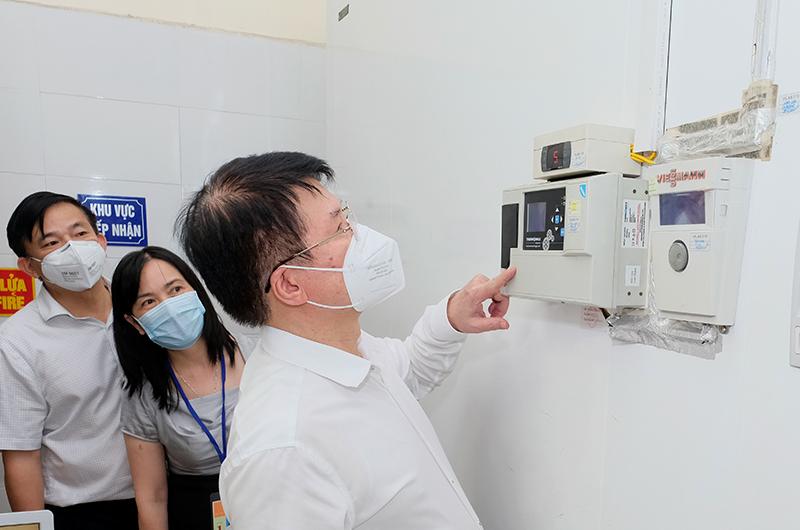 Kho lạnh đặc chủng bảo quản vắc xin: Thuốc về chục triệu liều, lo chỗ cất giữ