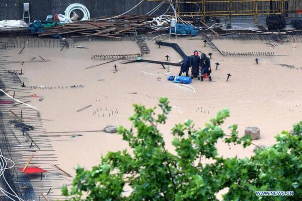 Những hình ảnh thảm khốc mưa lũ hoành hành Trung Quốc