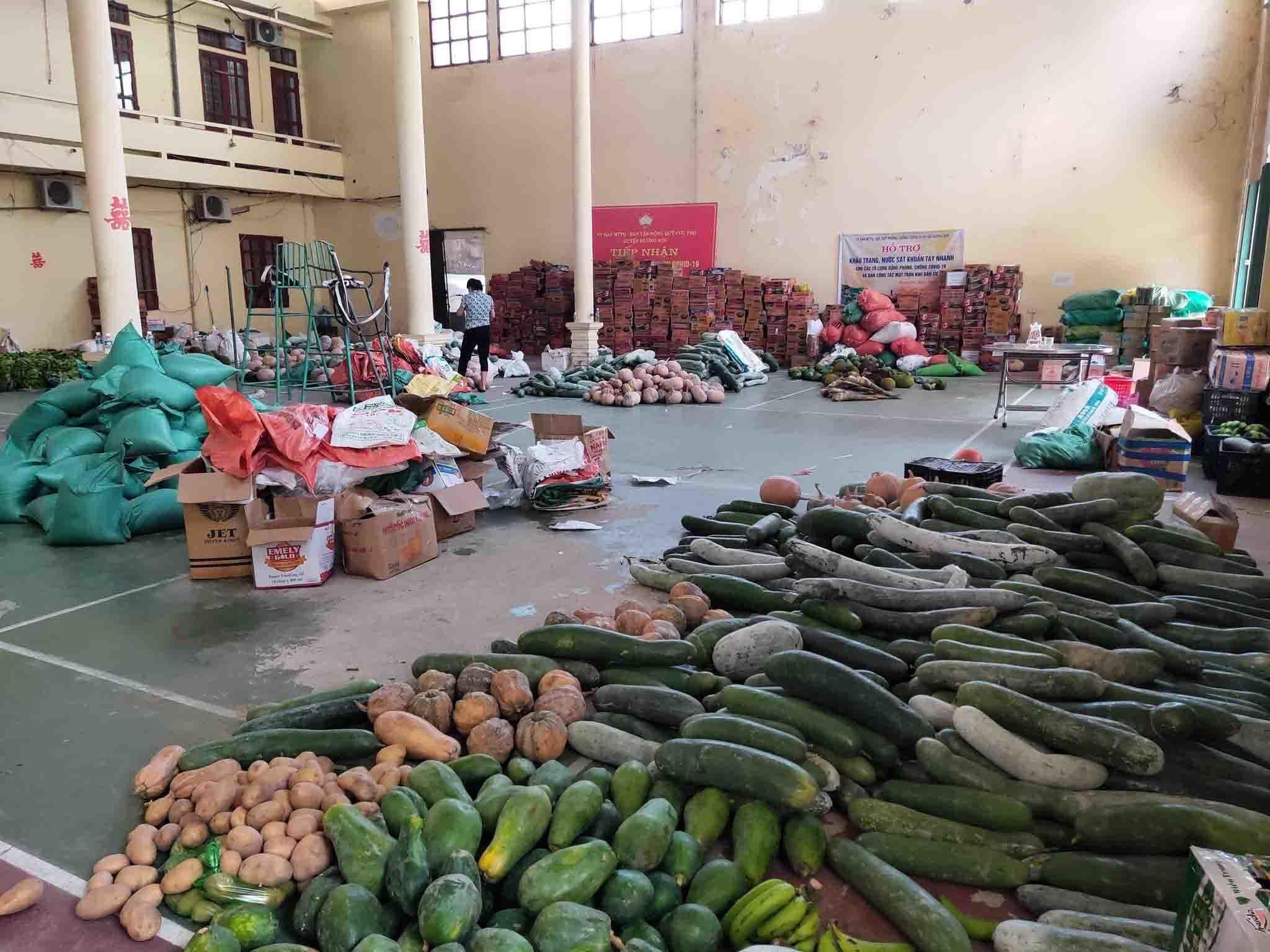 Chở nghìn tấn lương thực, gói ghém tấm lòng Hà Tĩnh gửi miền Nam