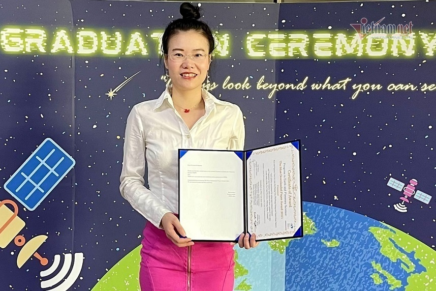 VN female scientist receives 'The Most Downloaded Paper' Award for research on Mekong basin