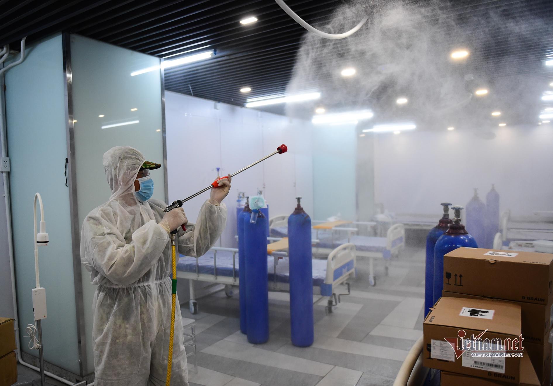 Bệnh viện dã chiến ở Thuận Kiều Plaza sẵn sàng đón 1.000 F0