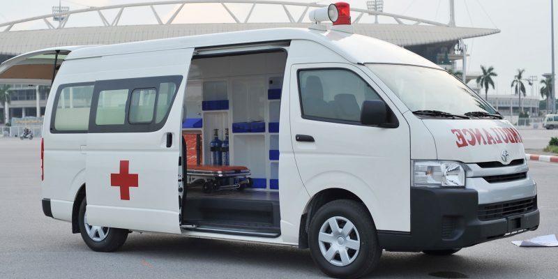 xe-cuu-thuong-Toyota-Hiace